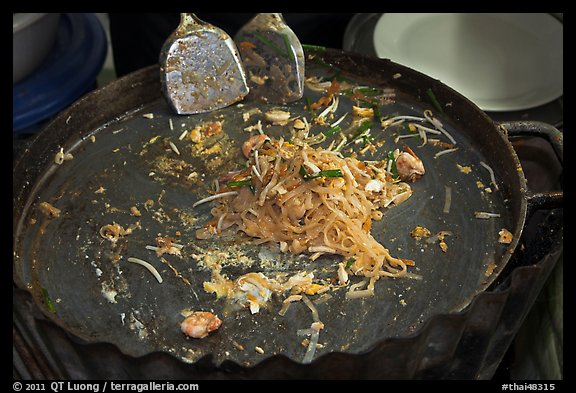 Close up of pan with Pad Thai, Ko Phi-Phi Don. Krabi Province, Thailand (color)