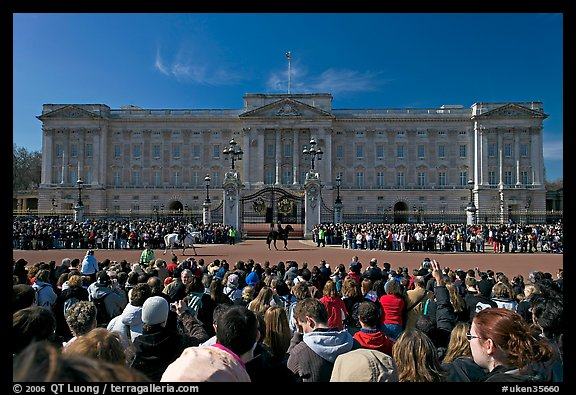 Crowds during  the changing of the guard in front of Buckingham Palace. London, England, United Kingdom (color)