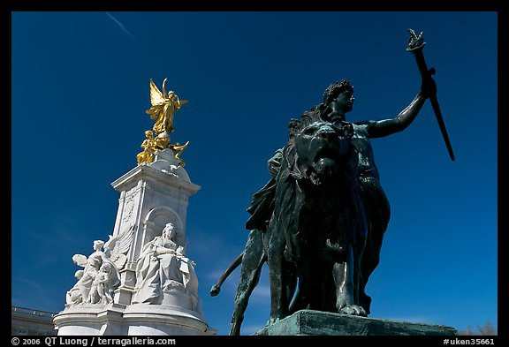 Statues in front of Buckingham Palace. London, England, United Kingdom (color)