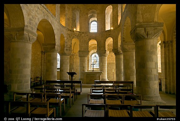 Norman-style chapel of St John the Evangelist, here the royal family worshipped, Tower of London. London, England, United Kingdom (color)