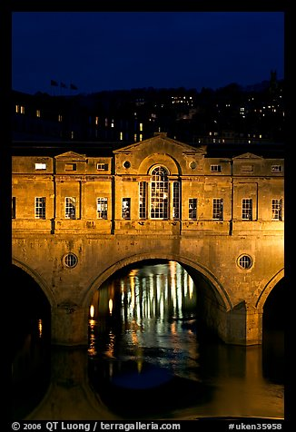 Central section of Pulteney Bridge, covered by shops,  at night. Bath, Somerset, England, United Kingdom (color)