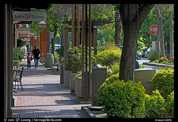 Sidewalk of Santa Cruz avenue, the main shopping street. Menlo Park,  California, USA (color)