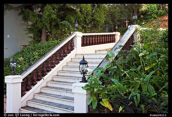 Stairs and garden, Nob Hill. San Francisco, California, USA (color)