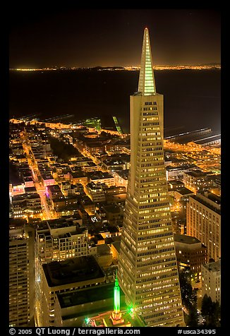 Picture/Photo: Transamerica Pyramid at night from the ...