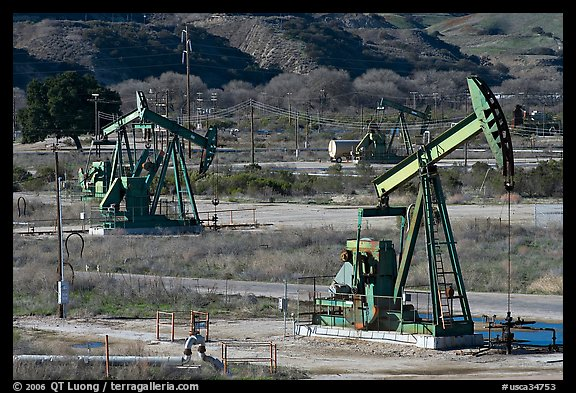San Ardo Oil field. California, USA (color)