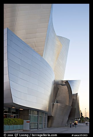 Frank Gehry desined Walt Disney Concert Hall exterior. Los Angeles, California, USA