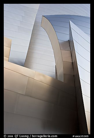 Shiny steel surfaces of the new Walt Disney Concert Hall. Los Angeles, California, USA (color)