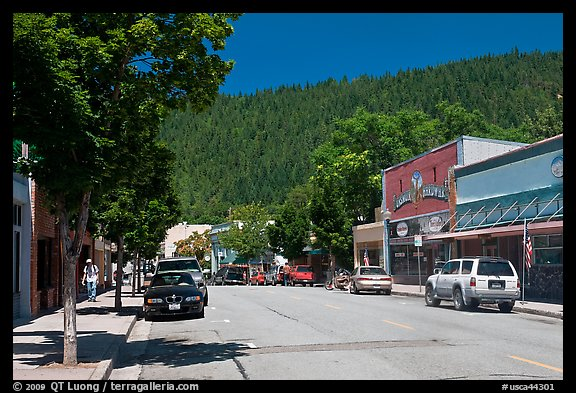 Main street, Dunsmuir. California, USA (color)