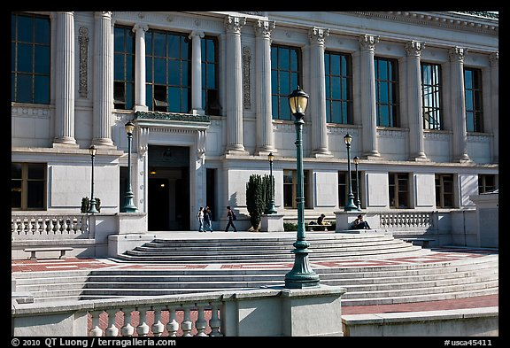Library, University of California at Berkeley. Berkeley, California, USA (color)