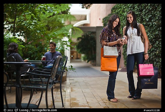 Shoppers, Stanford Shopping Center. Stanford University, California, USA (color)