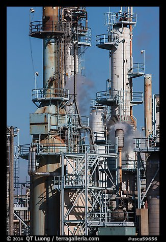 Process unit, refinery, Manhattan Beach. Los Angeles, California, USA (color)