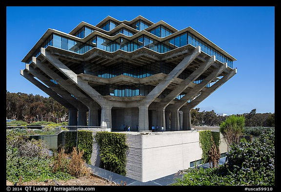 Geisel Library, in brutalist architectural style, UCSD. La Jolla, San Diego, California, USA (color)