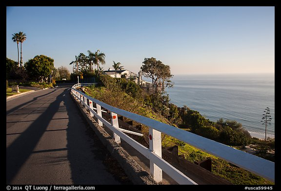Residential street overlooking Pacific Ocean, Malibu. Los Angeles, California, USA (color)