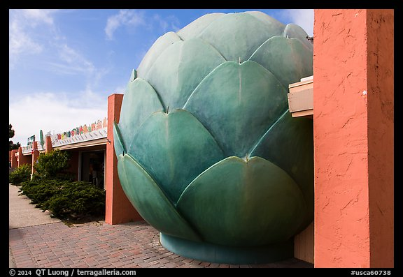 Giant Artichoke and restaurant, Castroville. California, USA (color)