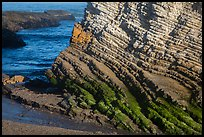 Stratified rock, Montana de Oro State Park. Morro Bay, USA ( color)