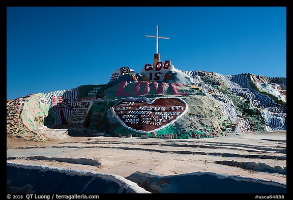 Frontal view of Salvation Mountain. Nyland, California, USA (color)