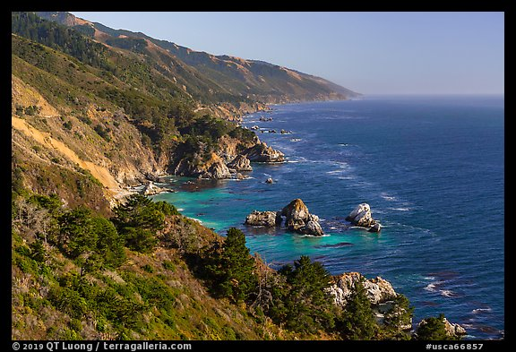 Costline from Partington Point, Julia Pfeiffer Burns State Park. Big Sur, California, USA (color)