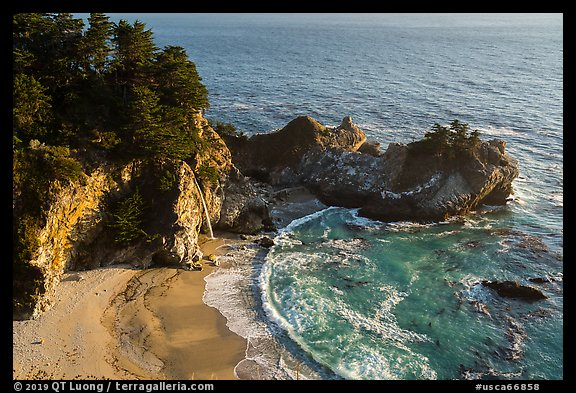 McWay Cove and waterfall, Julia Pfeiffer Burns State Park. Big Sur, California, USA (color)