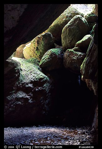 Boulders in Bear Gulch Caves. Pinnacles National Park (color)