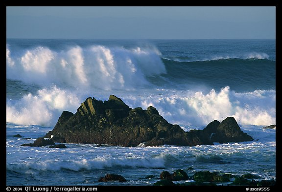 Crashing waves and rocks, Ocean drive. Pacific Grove, California, USA (color)