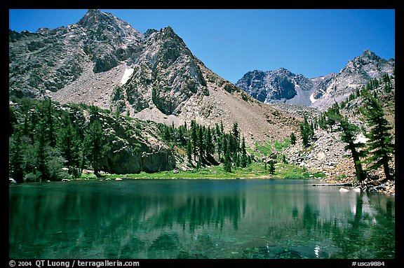 Emerald waters of a mountain lake, Inyo National Forest. California, USA (color)