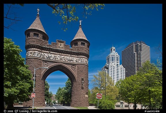 Memorial Arch and skyline. Hartford, Connecticut, USA (color)