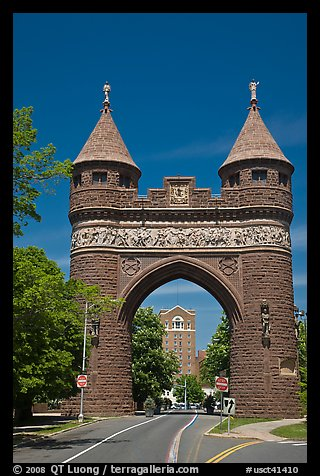 Soldiers and Sailors Memorial Arch, first triumphal arch in the United States. Hartford, Connecticut, USA (color)