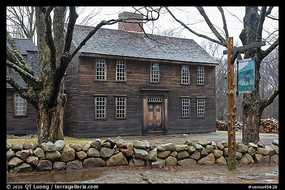 Hartwell Tavern, Lincoln, Minute Man National Historical Park. Massachussets, USA (color)
