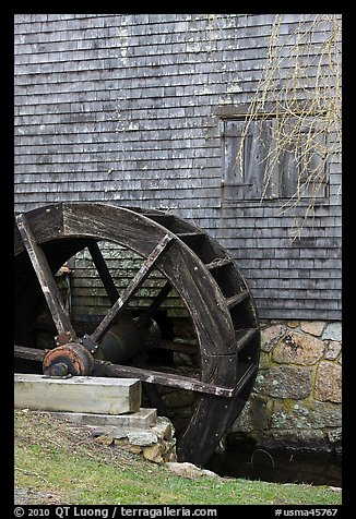 Waterwheel, Dexter Grist Mill, Sandwich. Cape Cod, Massachussets, USA (color)