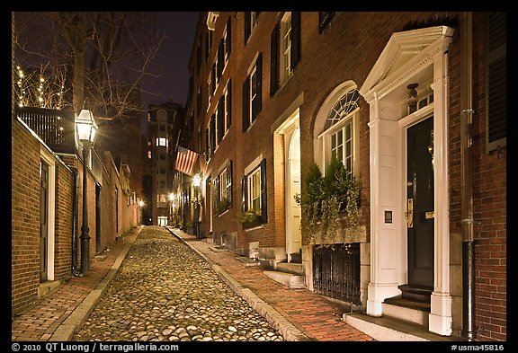Cobblestone narrow street by night, Beacon Hill. Boston, Massachussets, USA (color)