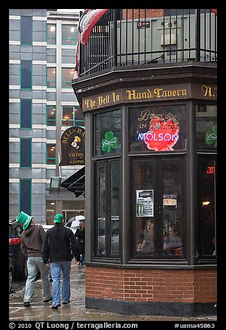 Tavern, oldest in the country. Boston, Massachussets, USA (color)