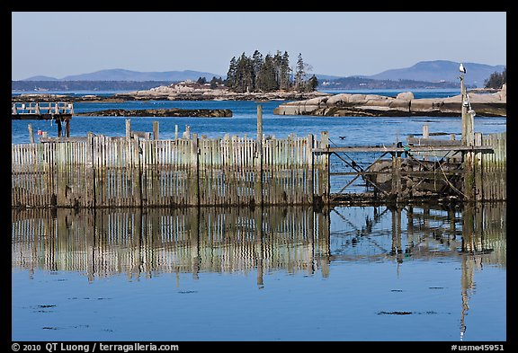 Water fence and islets. Stonington, Maine, USA (color)