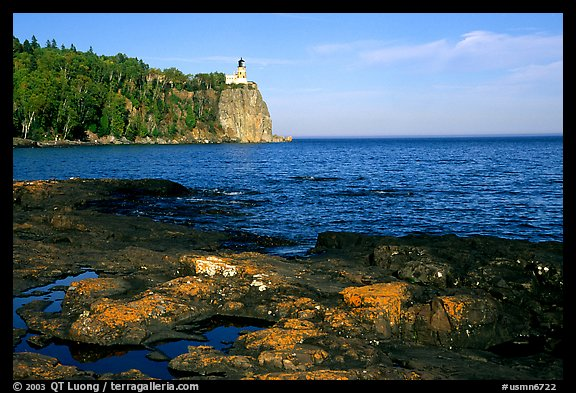 Split Rock lighthouse State Park, afternoon. Minnesota, USA (color)