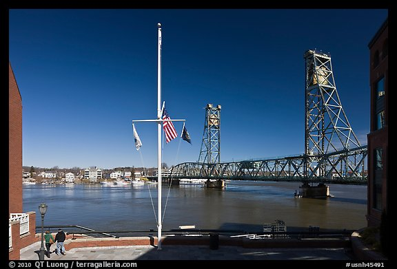 Riverside plaza, flagpole, and memorial bridge. Portsmouth, New Hampshire, USA (color)