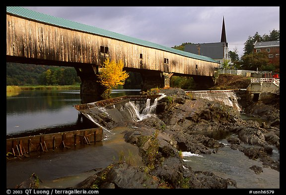 Triple-arch covered bridge, Bath. New Hampshire, USA (color)