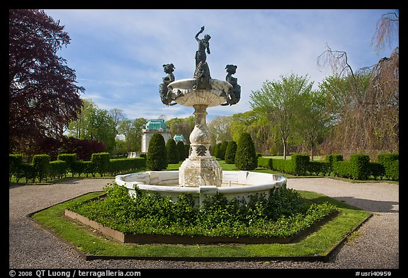 Fountain, The Elms. Newport, Rhode Island, USA (color)