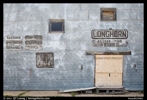 Longhorn store, Scenic. South Dakota, USA (color)