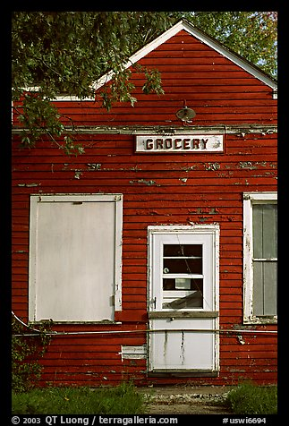 Old grocery. Wisconsin, USA (color)