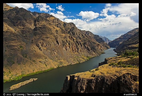 Snake River winding through deep canyon. Hells Canyon National Recreation Area, Idaho and Oregon, USA (color)