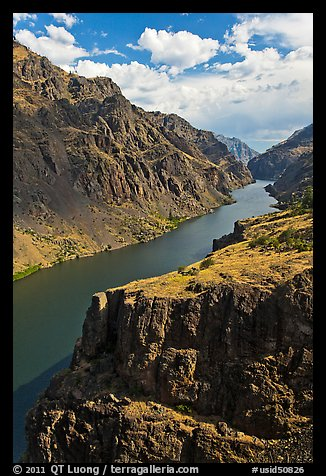 Cliffs and canyon. Hells Canyon National Recreation Area, Idaho and Oregon, USA (color)