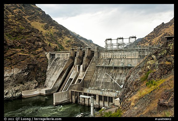 Hells Canyon Dam. Hells Canyon National Recreation Area, Idaho and Oregon, USA (color)