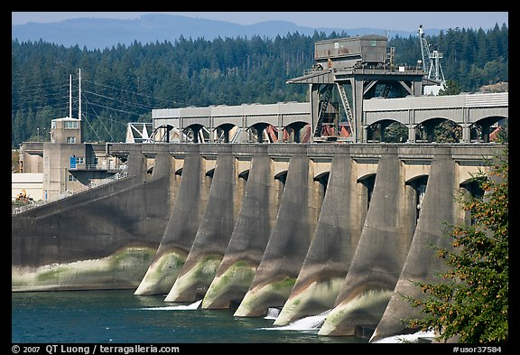 Bonneville Dam. Columbia River Gorge, Oregon, USA