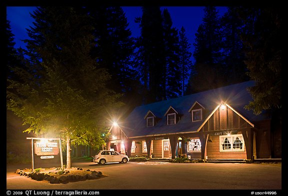 Union Creek resort by night. Oregon, USA (color)