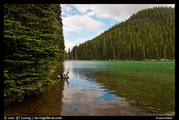 Devils Lake, Deschutes National Forest. Oregon, USA (color)