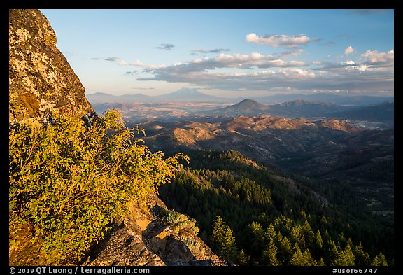 Mt Shasta from Pilot Rock ridge. Cascade Siskiyou National Monument, Oregon, USA (color)