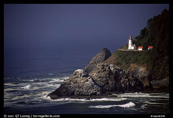 Lighthouse at Haceta Head, afternoon. Oregon, USA (color)