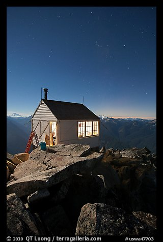 Hidden Lake Lookout by night, Mount Baker Glacier Snoqualmie National Forest. Washington (color)