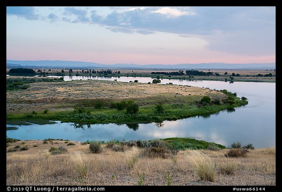 Columbia River arm, Hanford Reach National Monument. Washington (color)