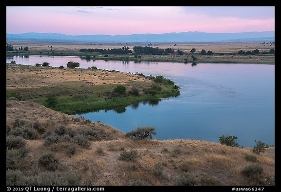 Columbia River and Rattlesnake Mountains at sunset, Hanford Reach National Monument. Washington (color)