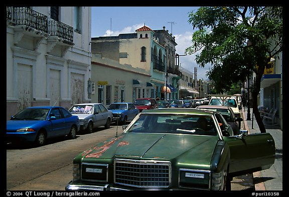 Old car in a street, Ponce. Puerto Rico (color)